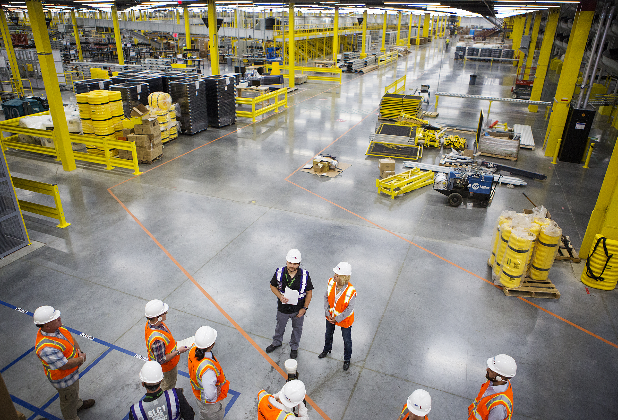 With operations to begin in weeks, Amazon shows off new Utah