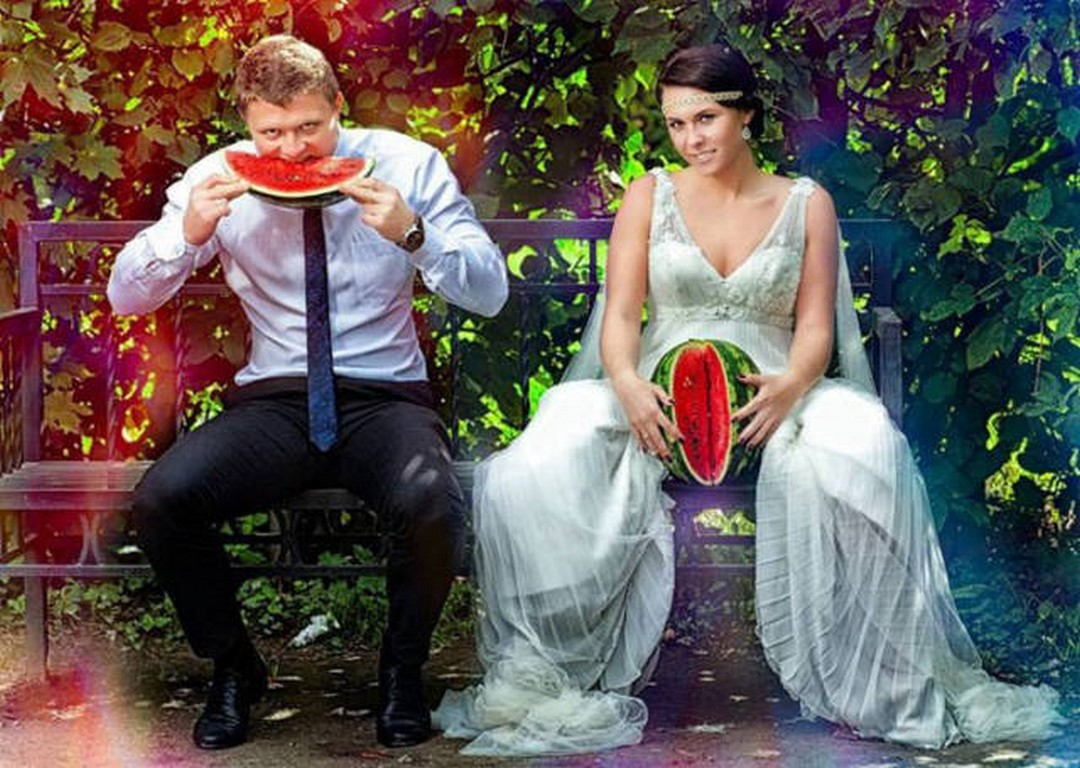 Fashion Trends : Top 10 Weird Wedding Photos That Will Make You WTF