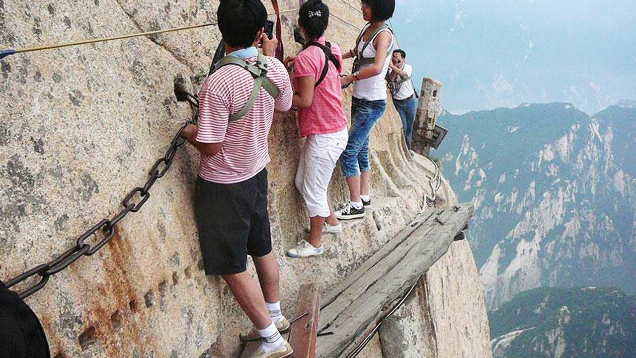 Travel: The 10 Most Dangerous Hiking Trails In The World