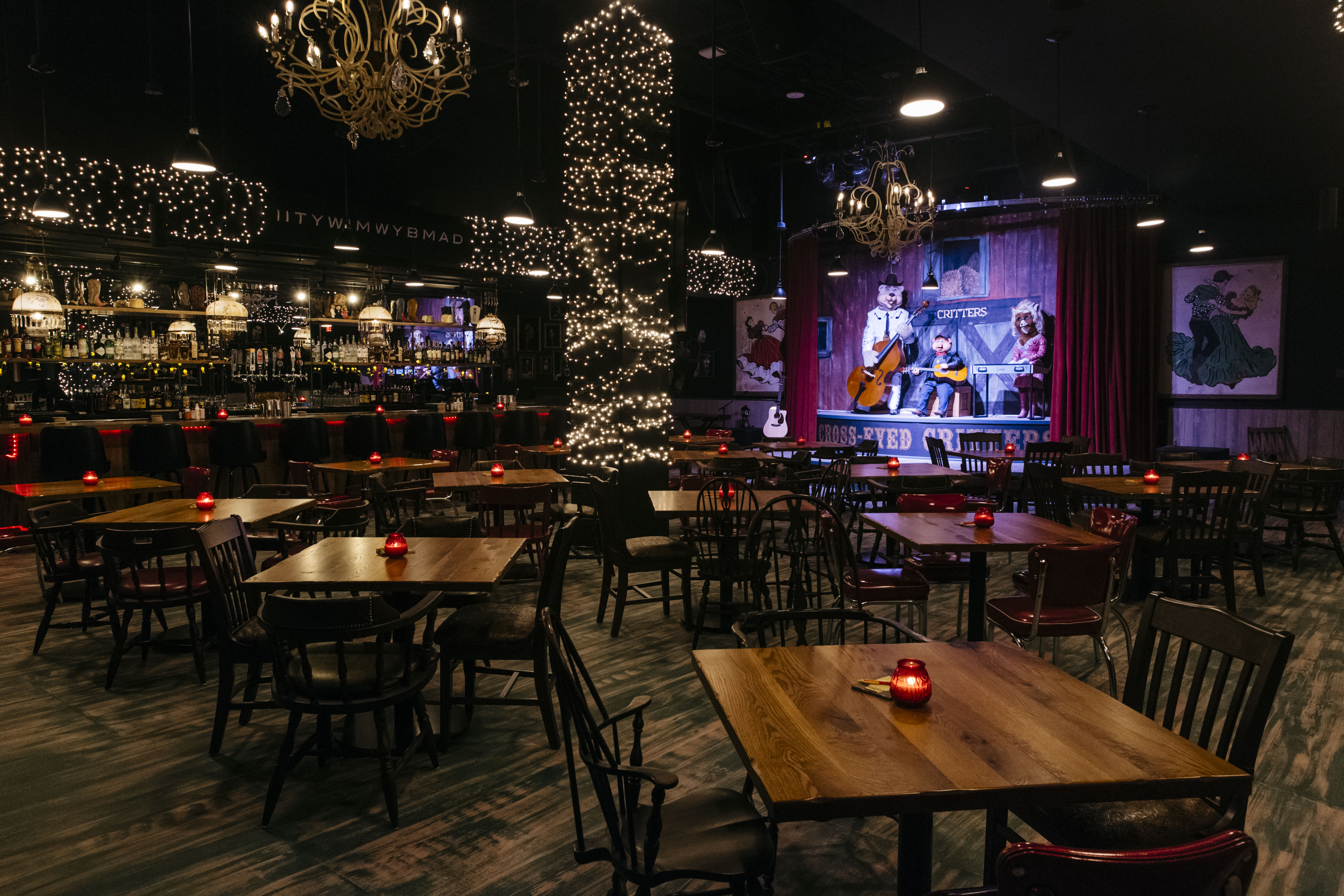 New Graduate Hotel Gives Nashville Animatronic Karaoke and Late Night Tacos