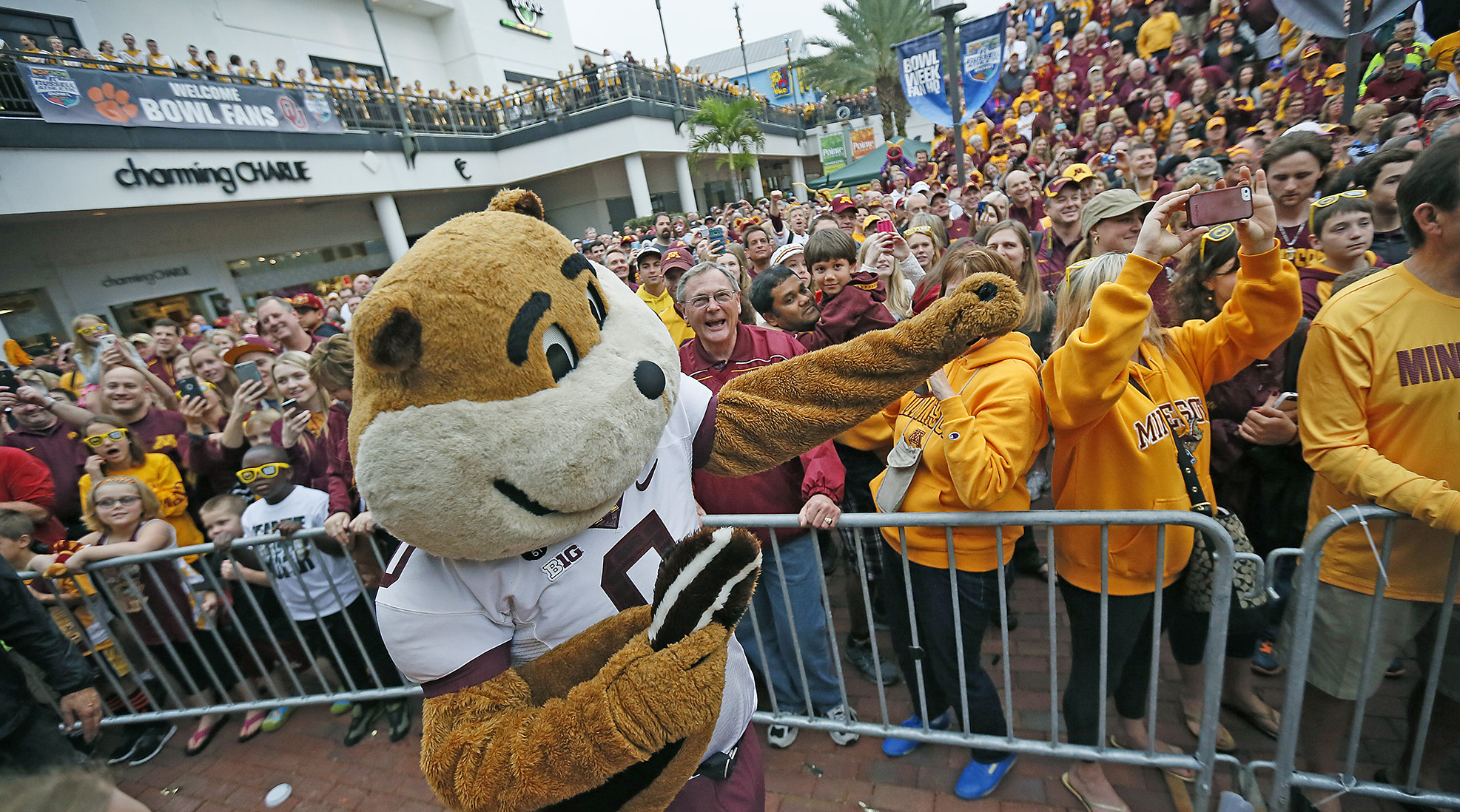 Holiday vacation plans? Take a look at the Gophers bowl game forecast