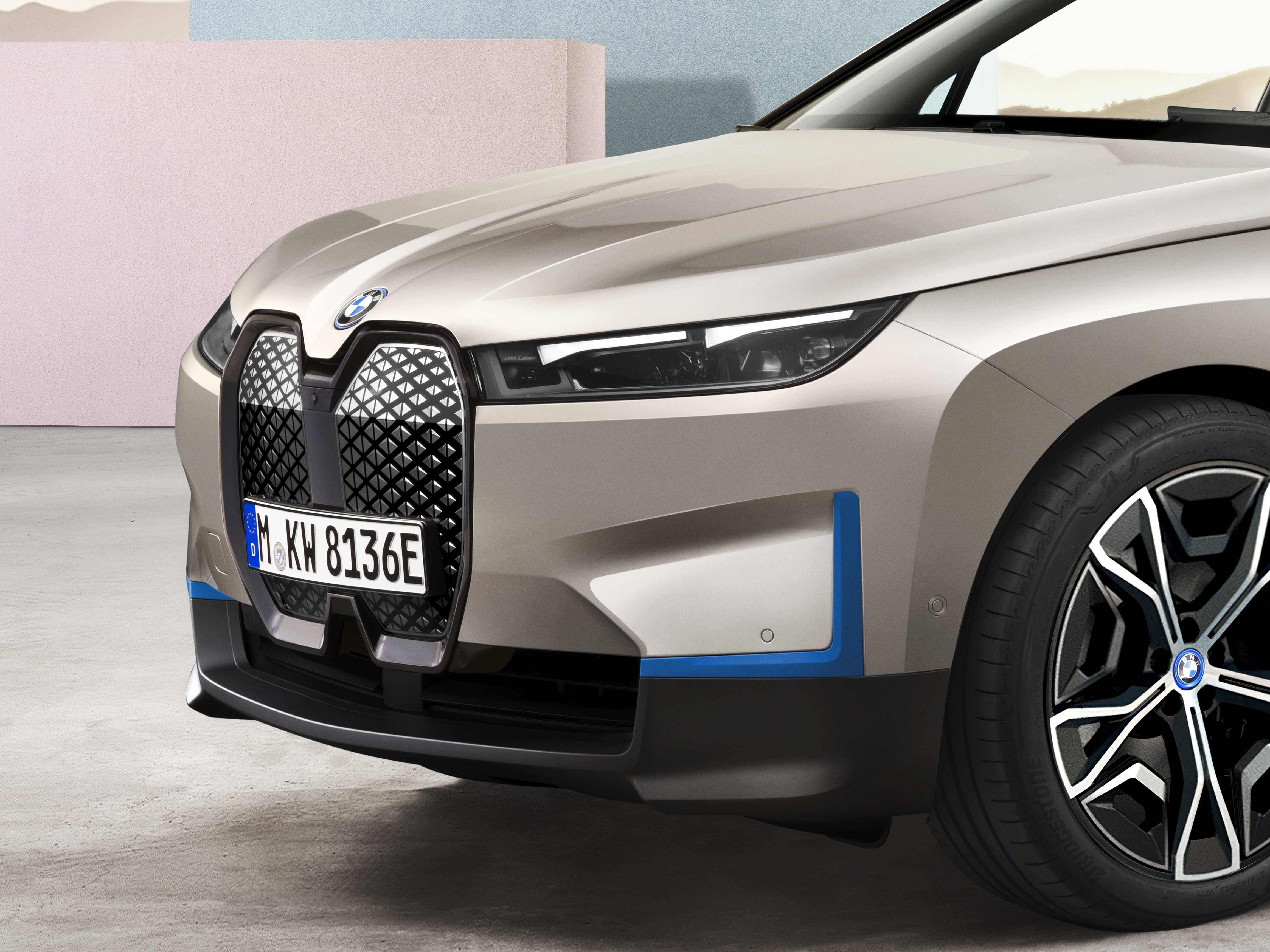 Bmw Launches Its New Flagship Ix Electric Suv With 300 Miles Of Range The Verge