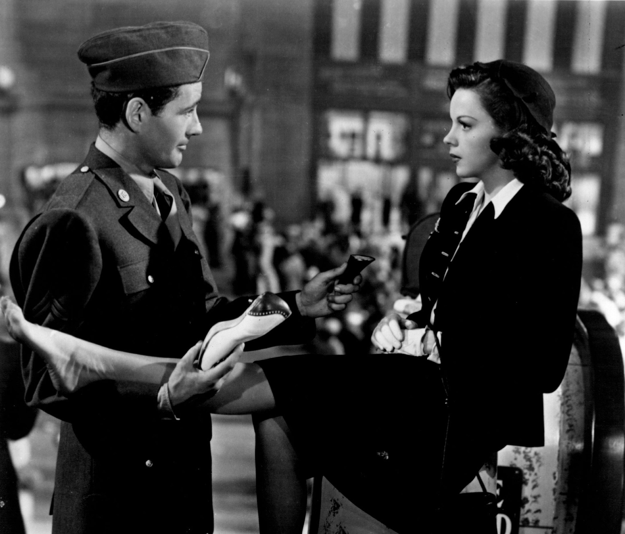 'The Clock,' starring Robert Walker and Judy Garland.
