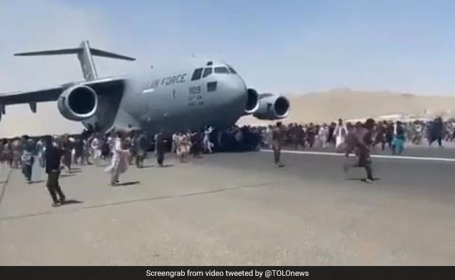 r7s3e0j_kabuls-airport-chaostolonews_625x300_16_August_21.0.jpg