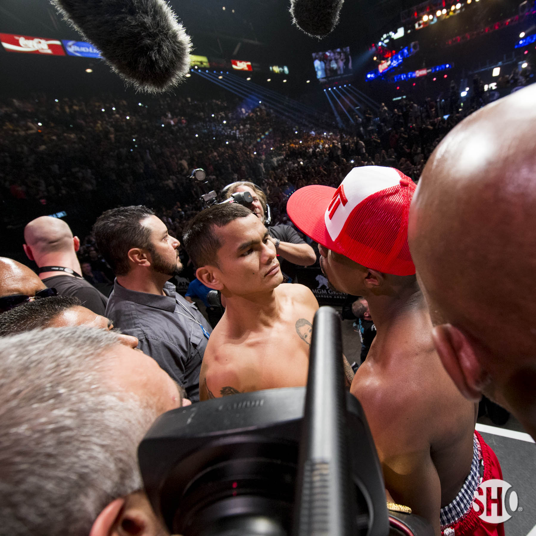 Mayweather Vs Maidana Weigh-in Photos