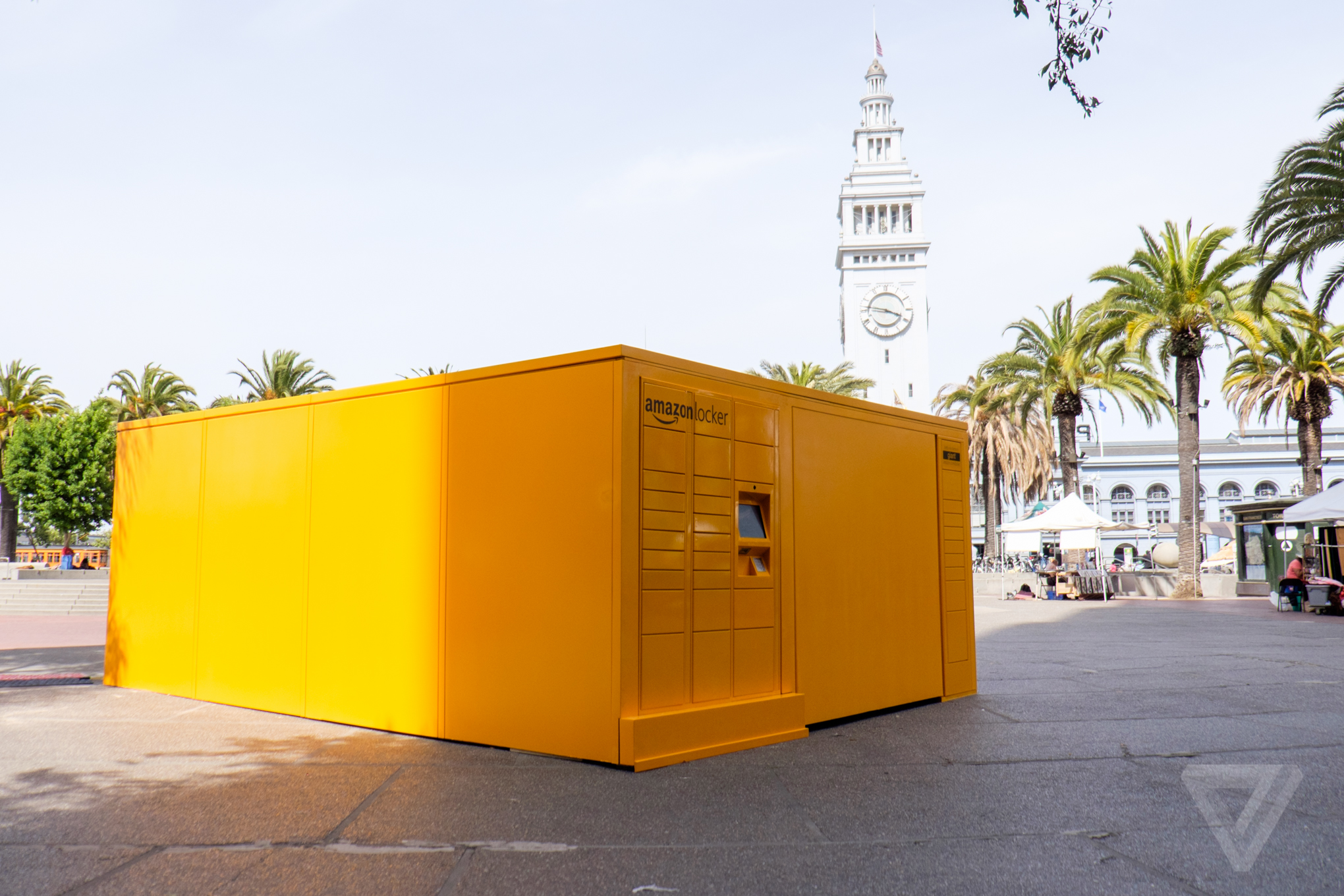 a giant mysterious amazon locker has appeared right in the middle of downtown san francisco. Black Bedroom Furniture Sets. Home Design Ideas