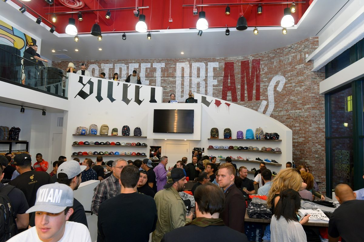 Nas Opens 12 A M Run Sneaker Store At The Linq Racked Vegas