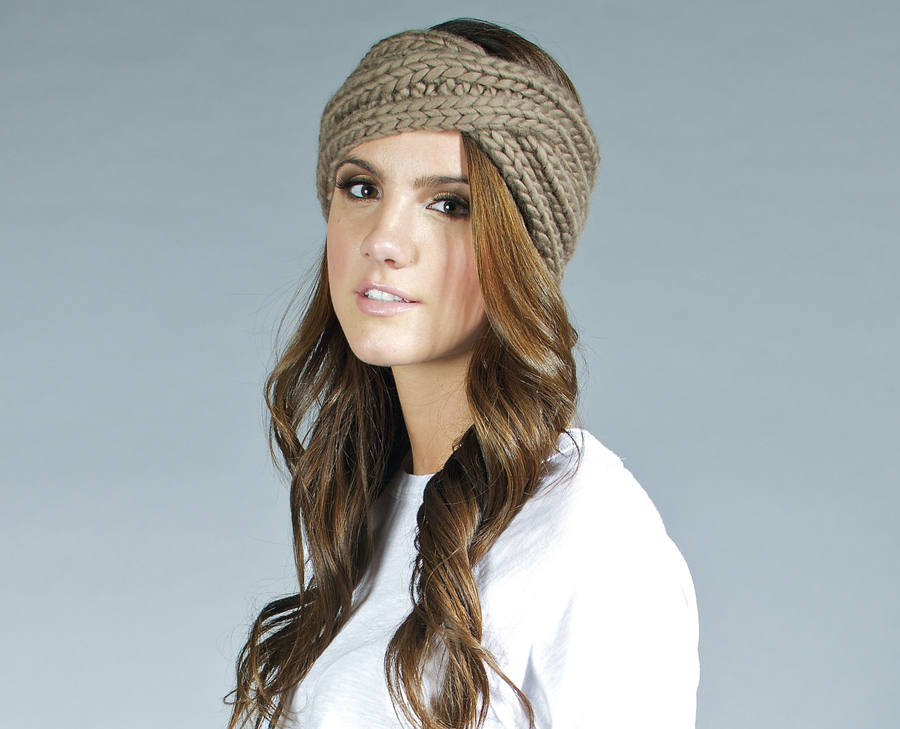 Avoid Frostbite With This Chunky Knit Turban