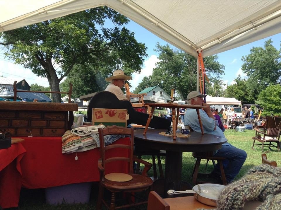 Everything to Know About the US\'s 690-Mile-Long Yard Sale - Racked