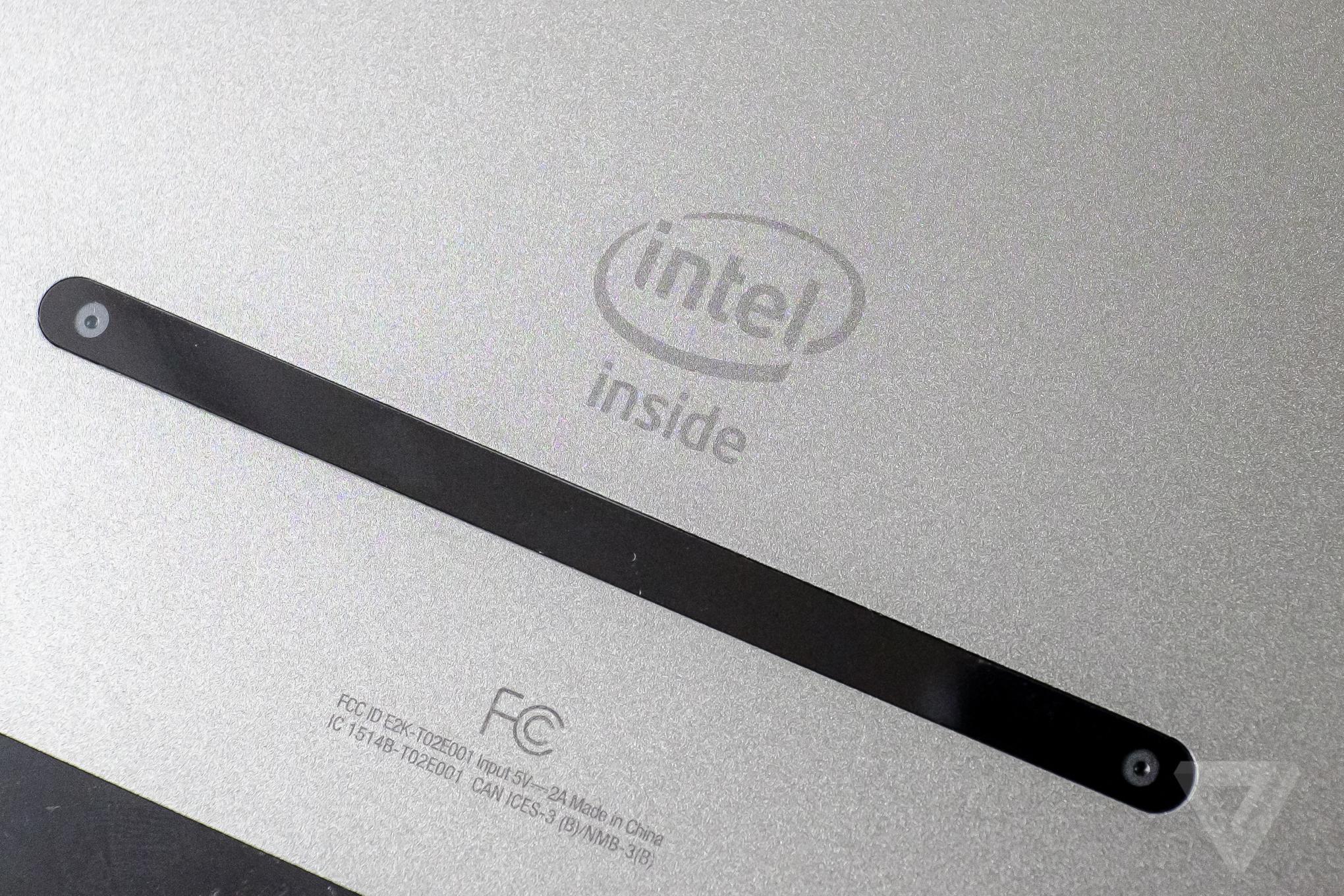 Dell's super thin, aluminum Venue 8 7000 is a surprisingly ...