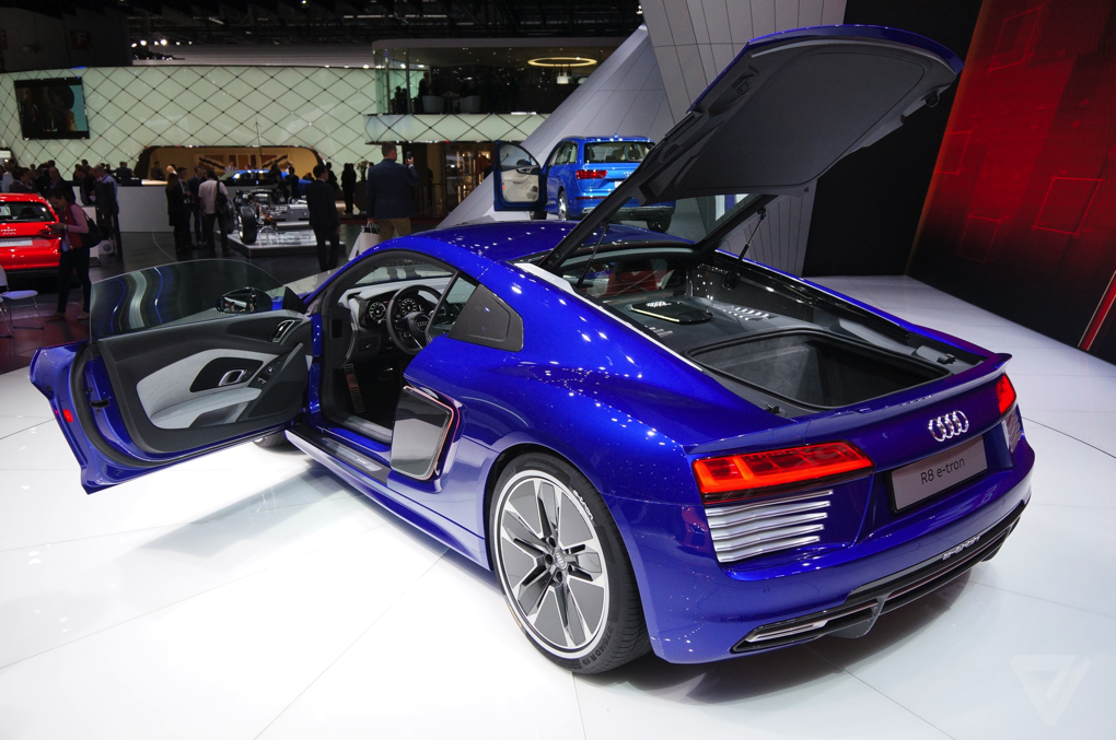 audi 39 s r8 sports car now comes with an all electric option the verge. Black Bedroom Furniture Sets. Home Design Ideas