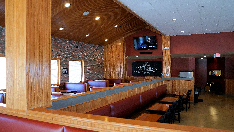 Peer Inside The New Brew Pub In Las Vegas Old School Brewing Co