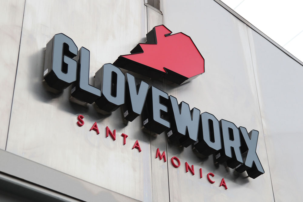 Santa monica 39 s gloveworx is a sexy supermodel approved for Cox paint santa monica