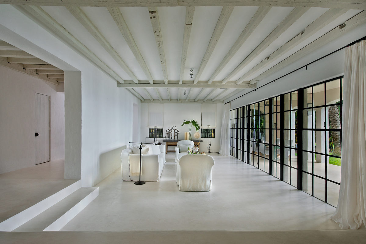 calvin klein is selling his beachy miami home for 16. Black Bedroom Furniture Sets. Home Design Ideas