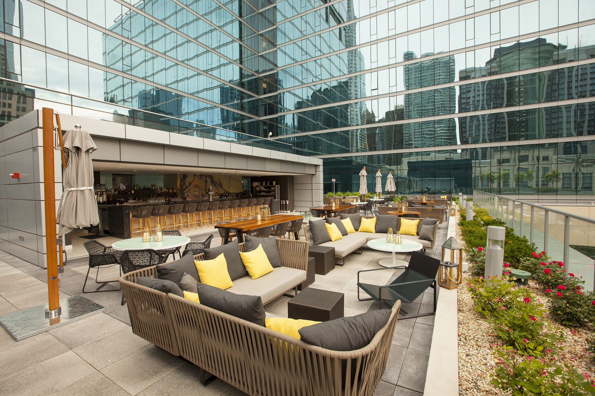 This Is What Chicago S Largest Terrace Streeterville
