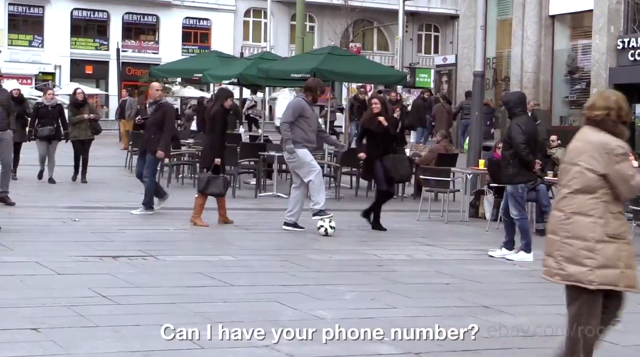 Cristiano Ronaldo did soccer tricks for unsuspecting people while dressed as a bum