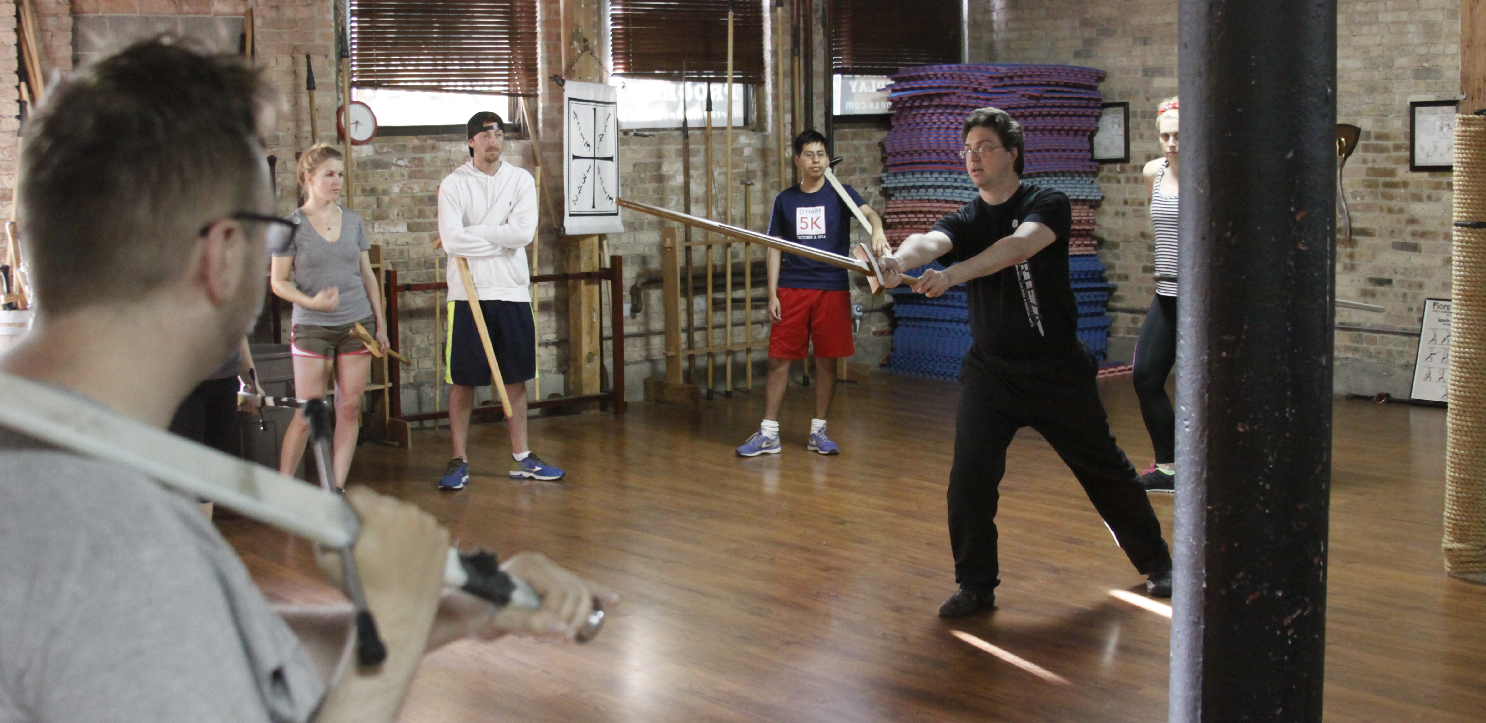 Knight classes: Inside Chicago's only school for medieval longsword | Polygon