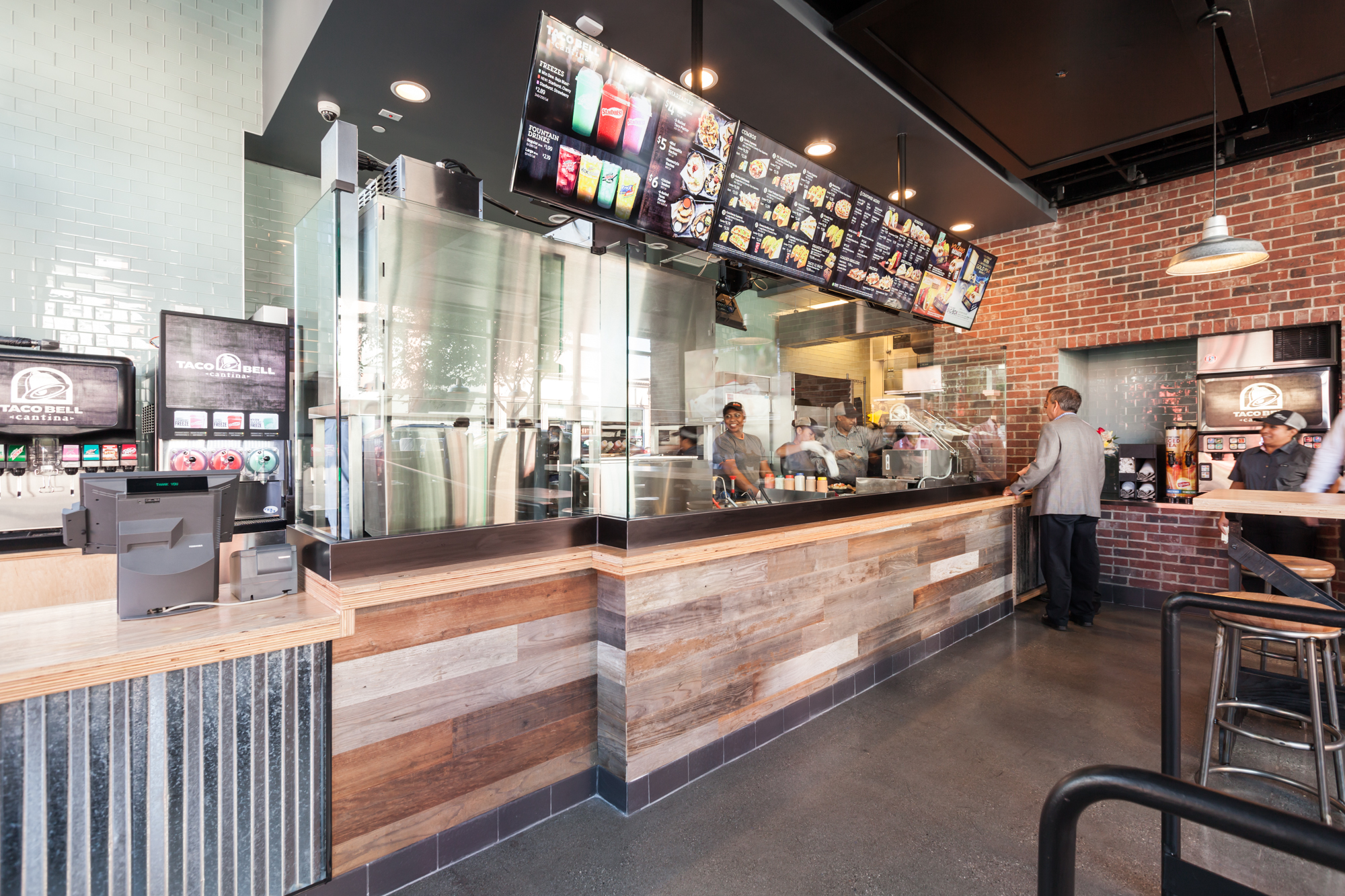 Inside America S Second Boozy Taco Bell Now Open Right