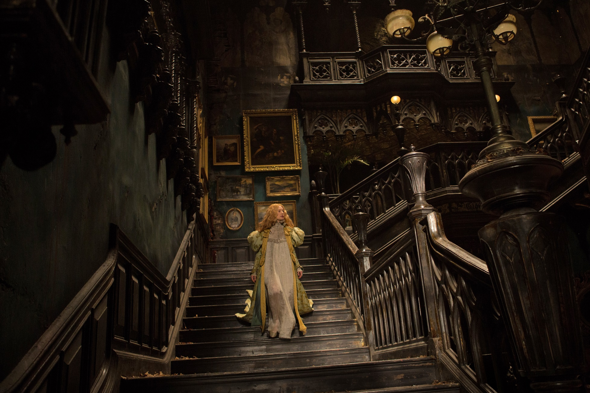 Foyer Wallpaper Game : Crimson peak isn t a horror movie it s ghost story yes