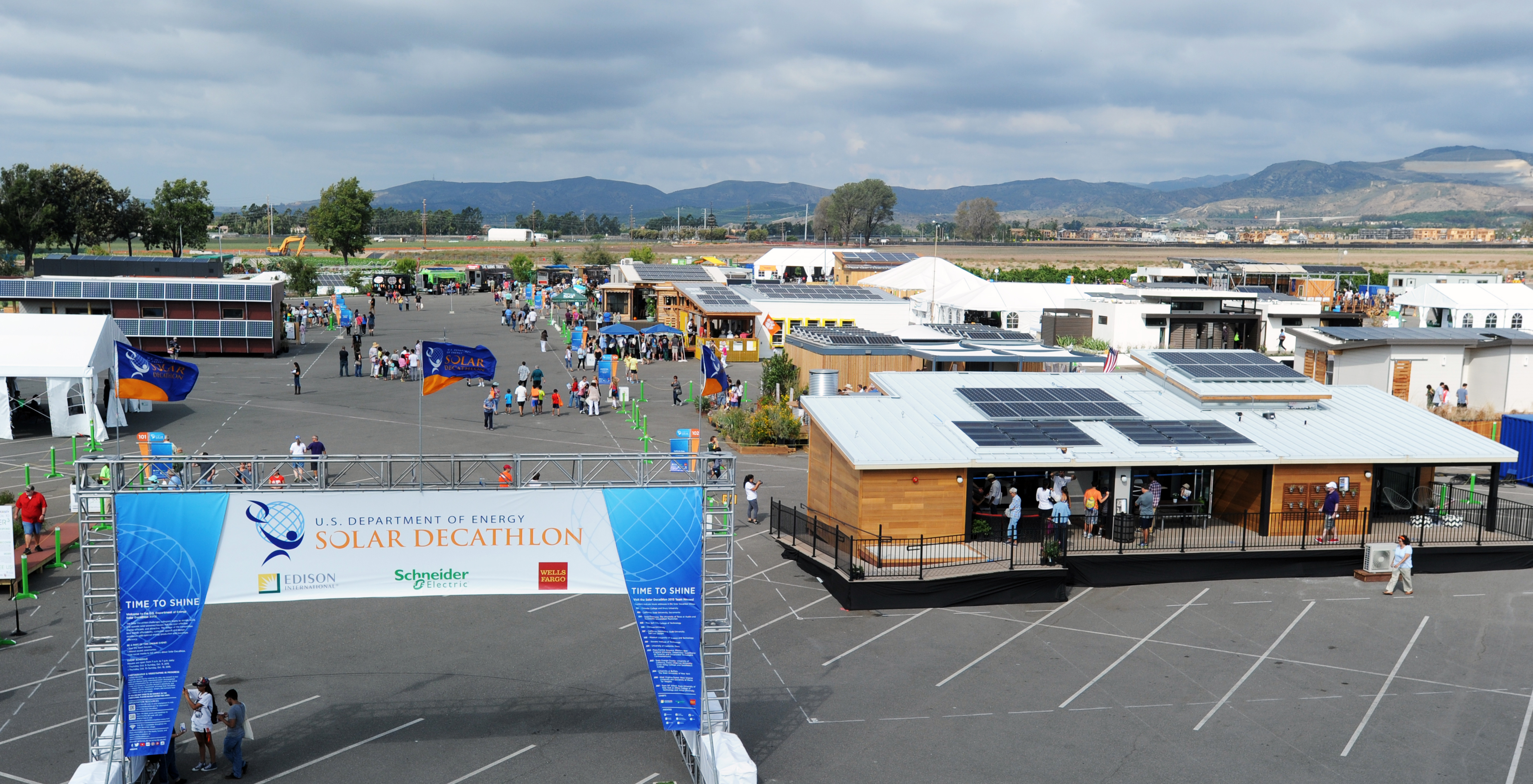 These students designed a 100 solar house that laughs at for Solar decathlon 2015