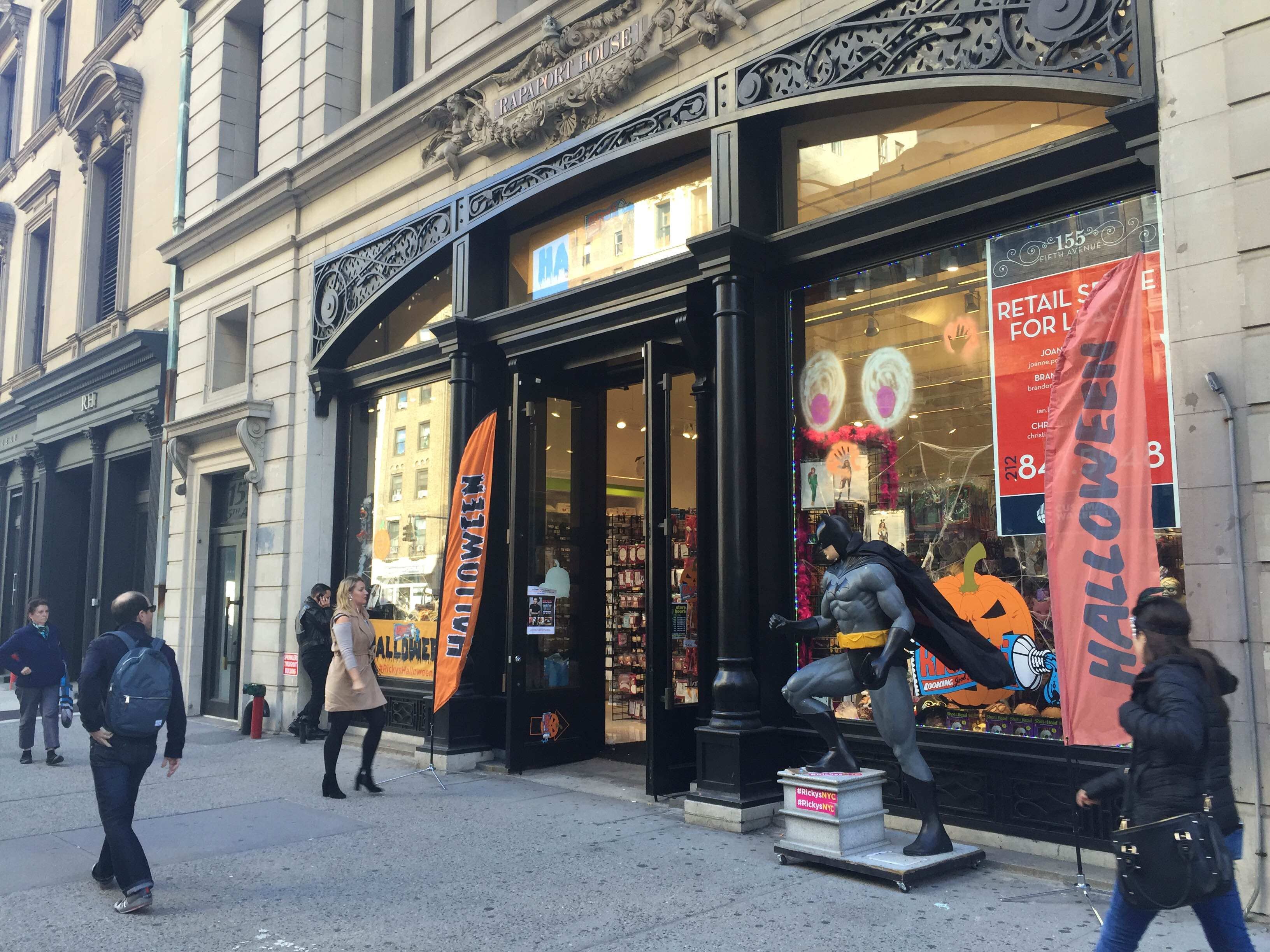 There Are No Crazy Halloween Store Lines — Yet - Racked NY