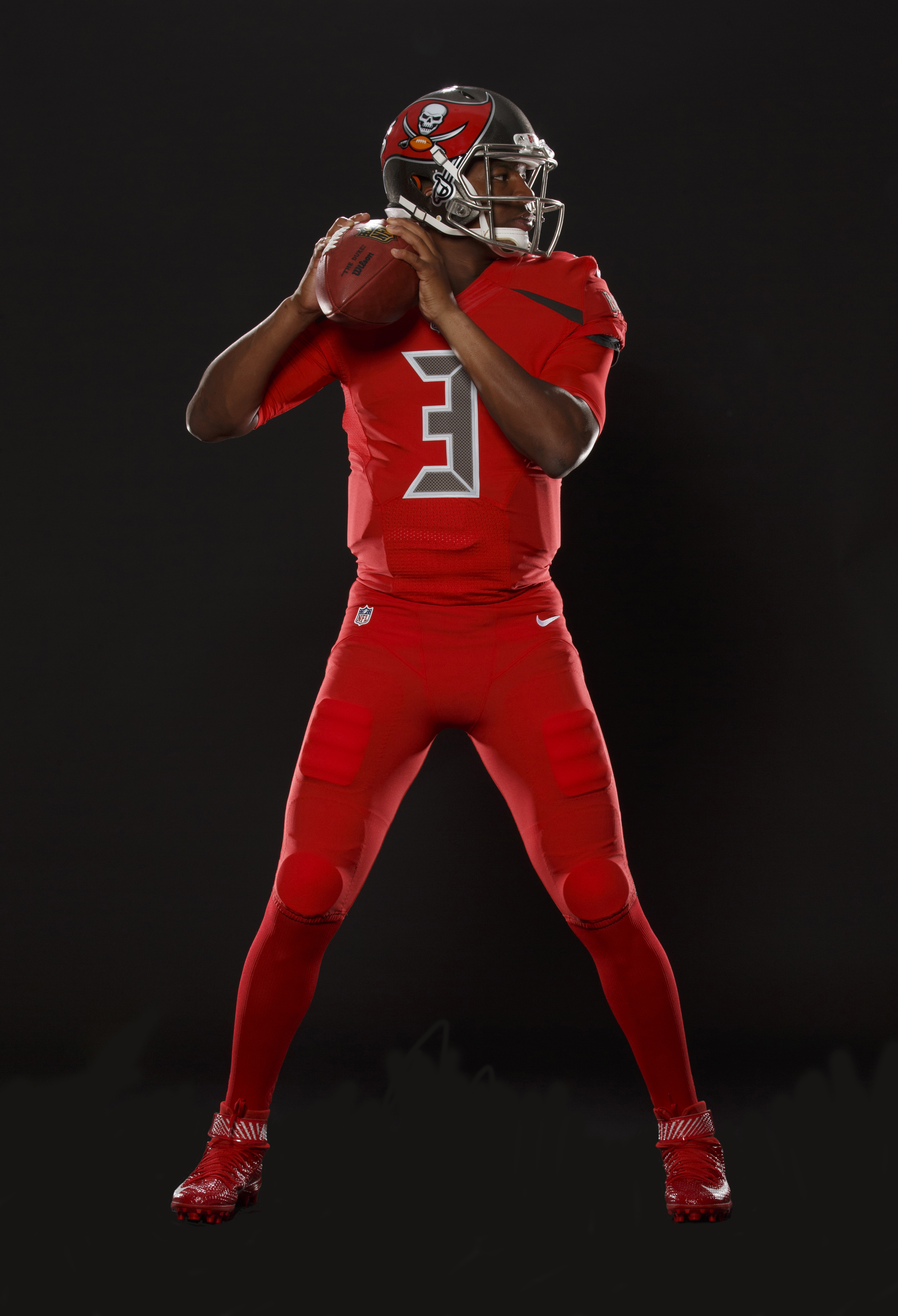 Buccaneers unveil new all-red uniforms for Nike Color Rush ...