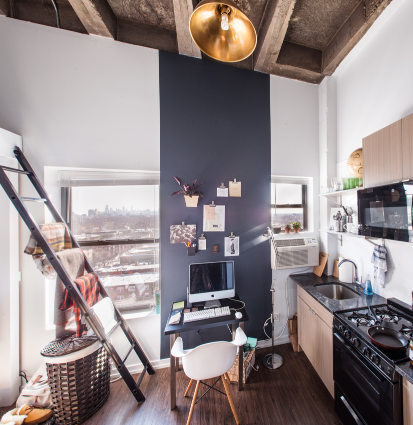 what it 39 s really like to live in a 300 square foot micro studio curbed chicago. Black Bedroom Furniture Sets. Home Design Ideas