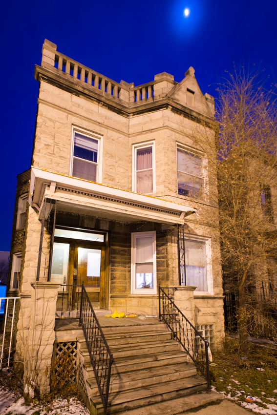 Classic meets contemporary in this logan square greystone for Classic chicago house