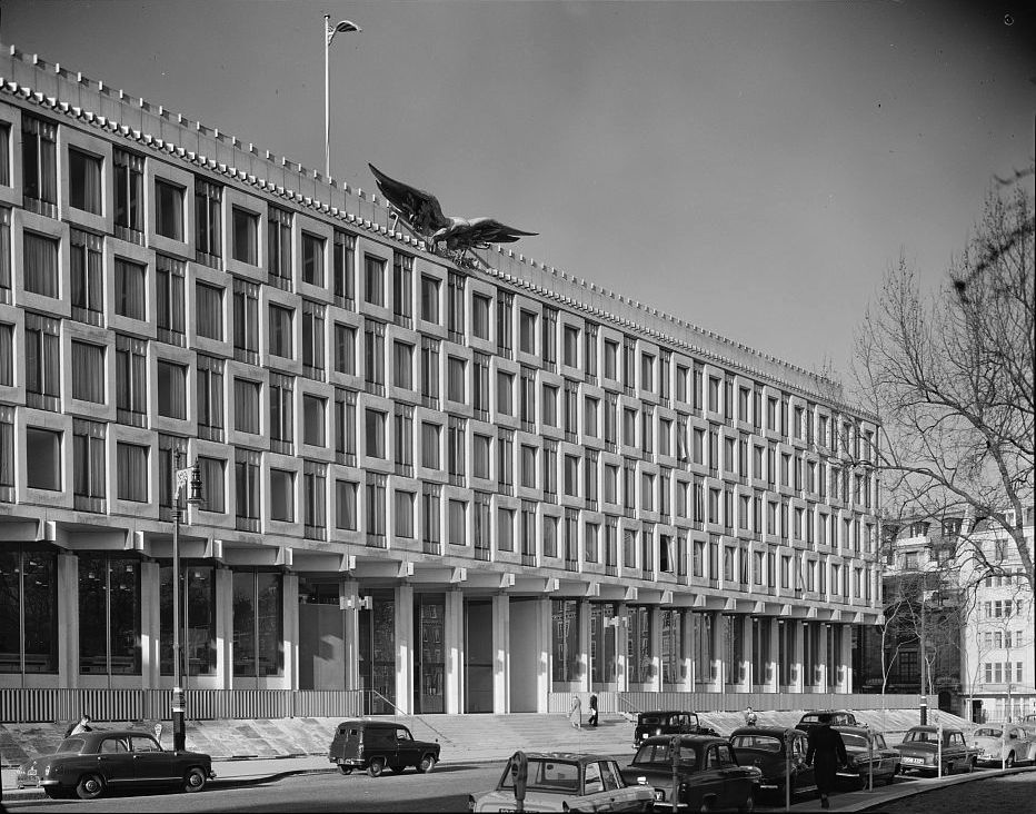 Follow Curbed S Board Monochromes On Pinterest United States Embassy London