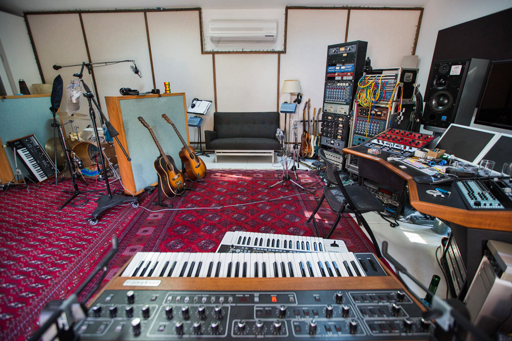 Inside The Underground World Of LAu0027s Home Recording Studios