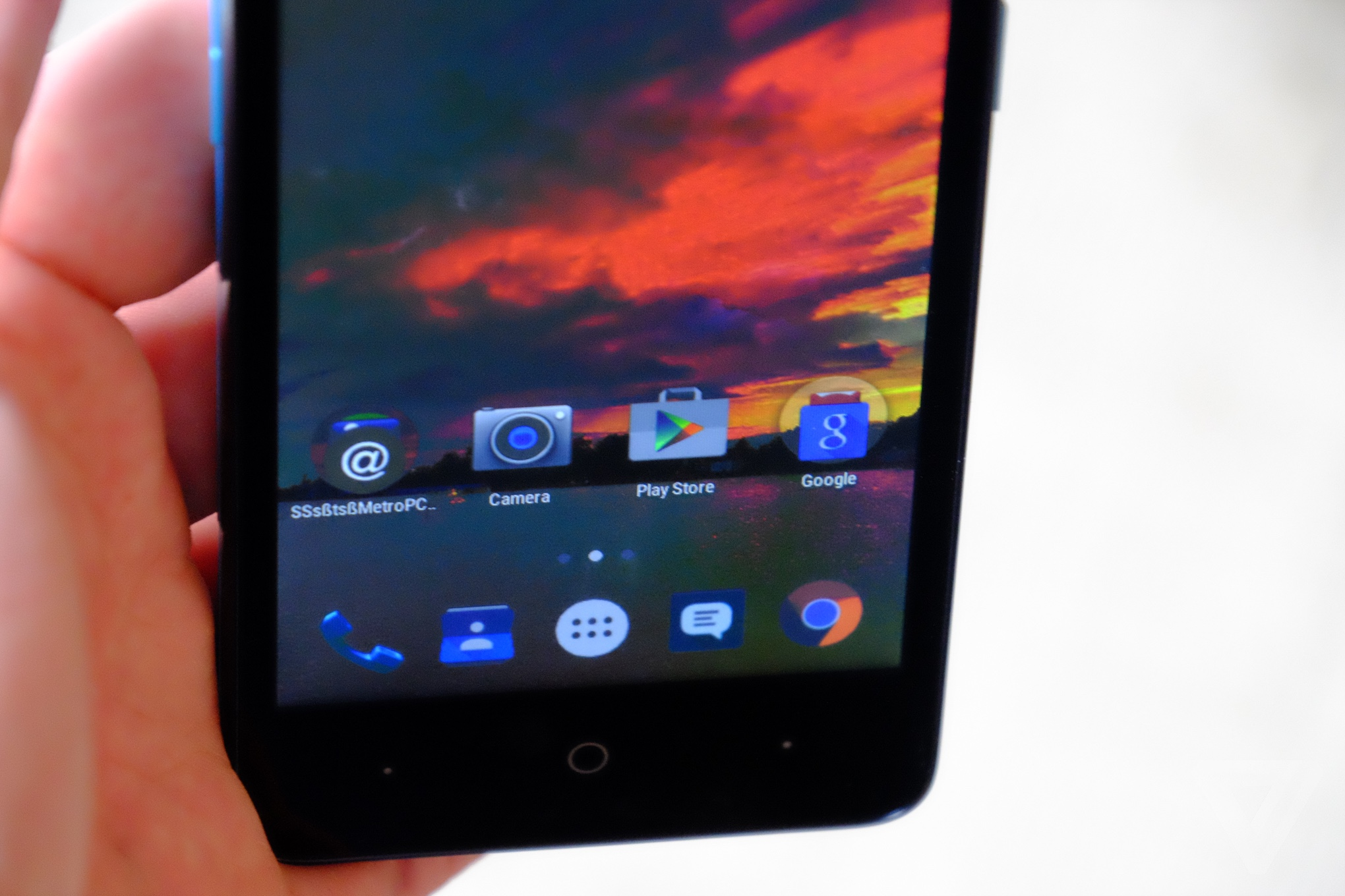 ZTE launches two inexpensive Android phones at CES 2016