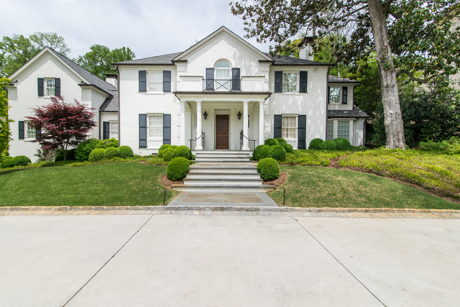 Actress Amy Adams Leased This House Located In Atlantas Prestigious Tuxedo Park While She Was Filming Trouble With The Curve