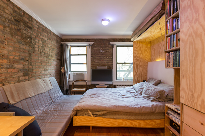 9 new york city micro apartments that bolster the tiny for Studio apartment square footage