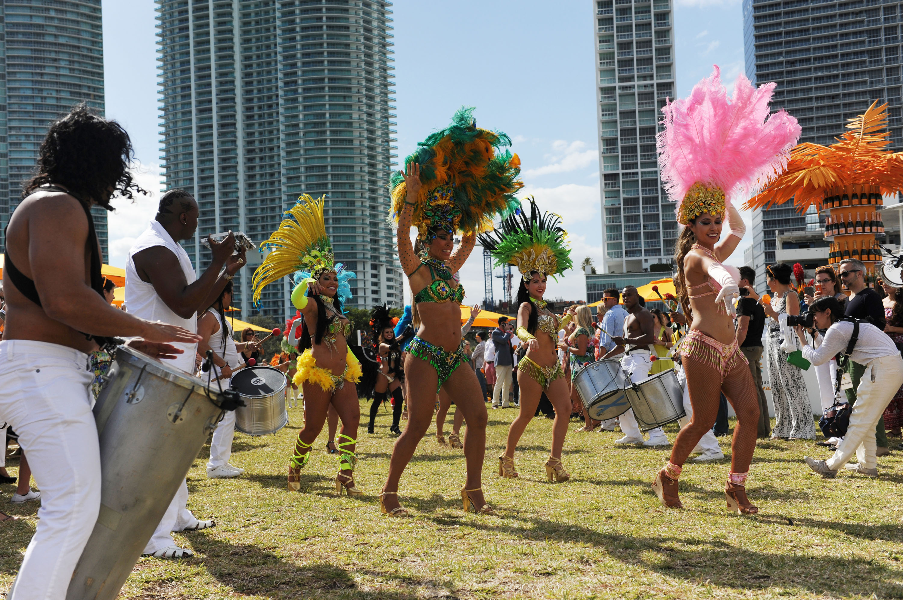 40+ Street Style Photos From the Veuve Clicquot Carnaval