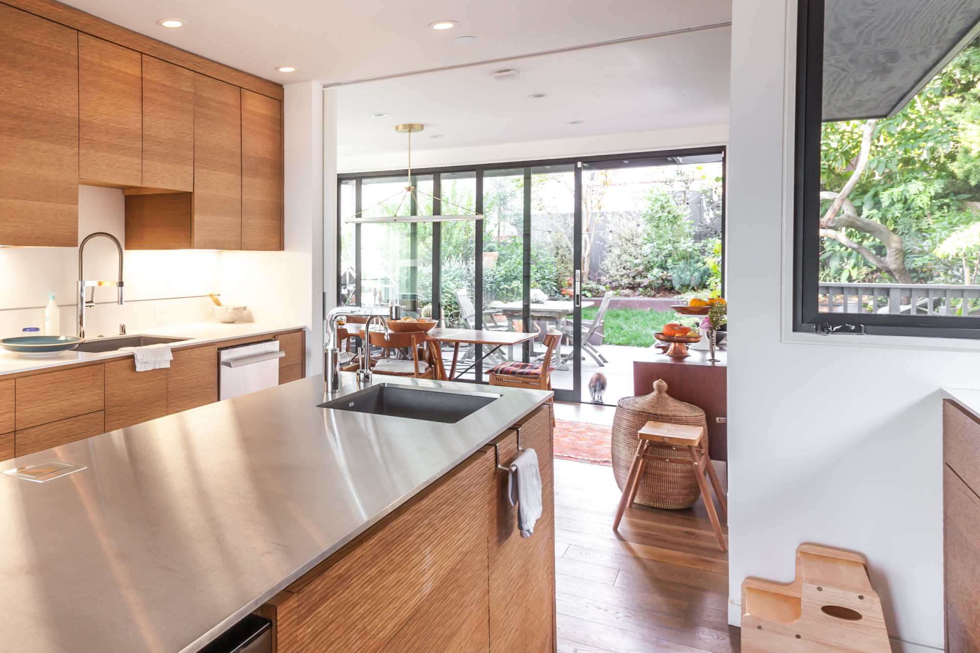 The Kitchen Leads Into The Dining Room And Backyard Garden.
