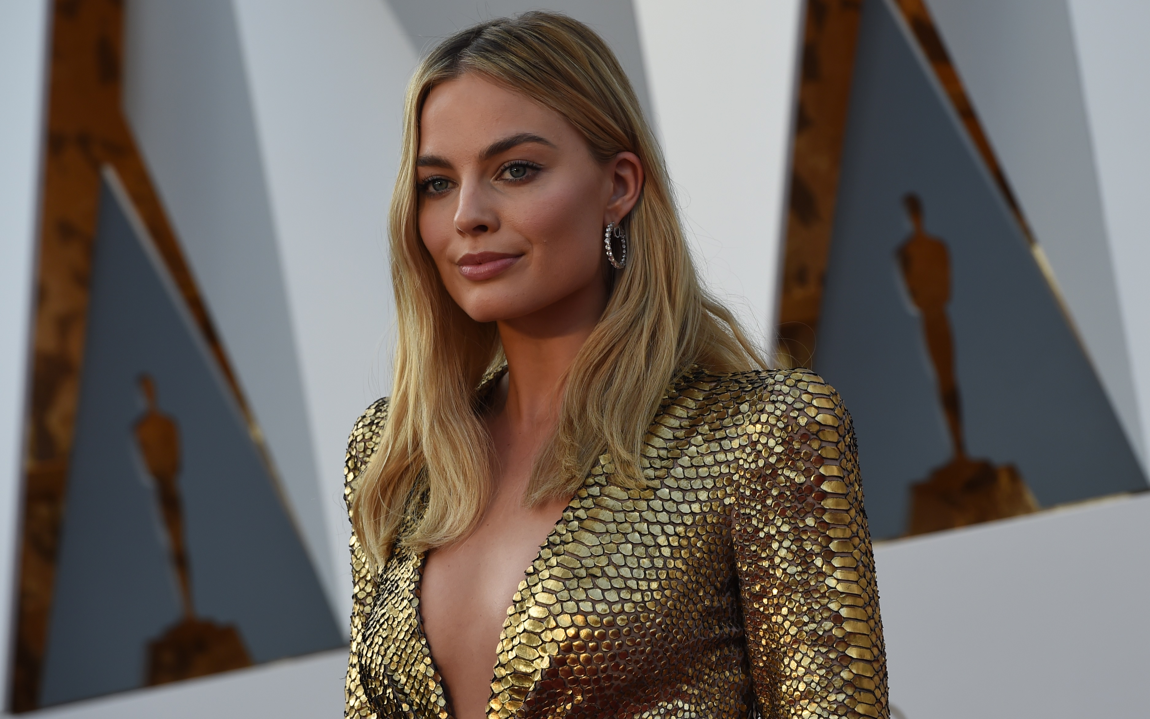 The Most Extravagant Jewelry On The Oscars Red Carpet Racked