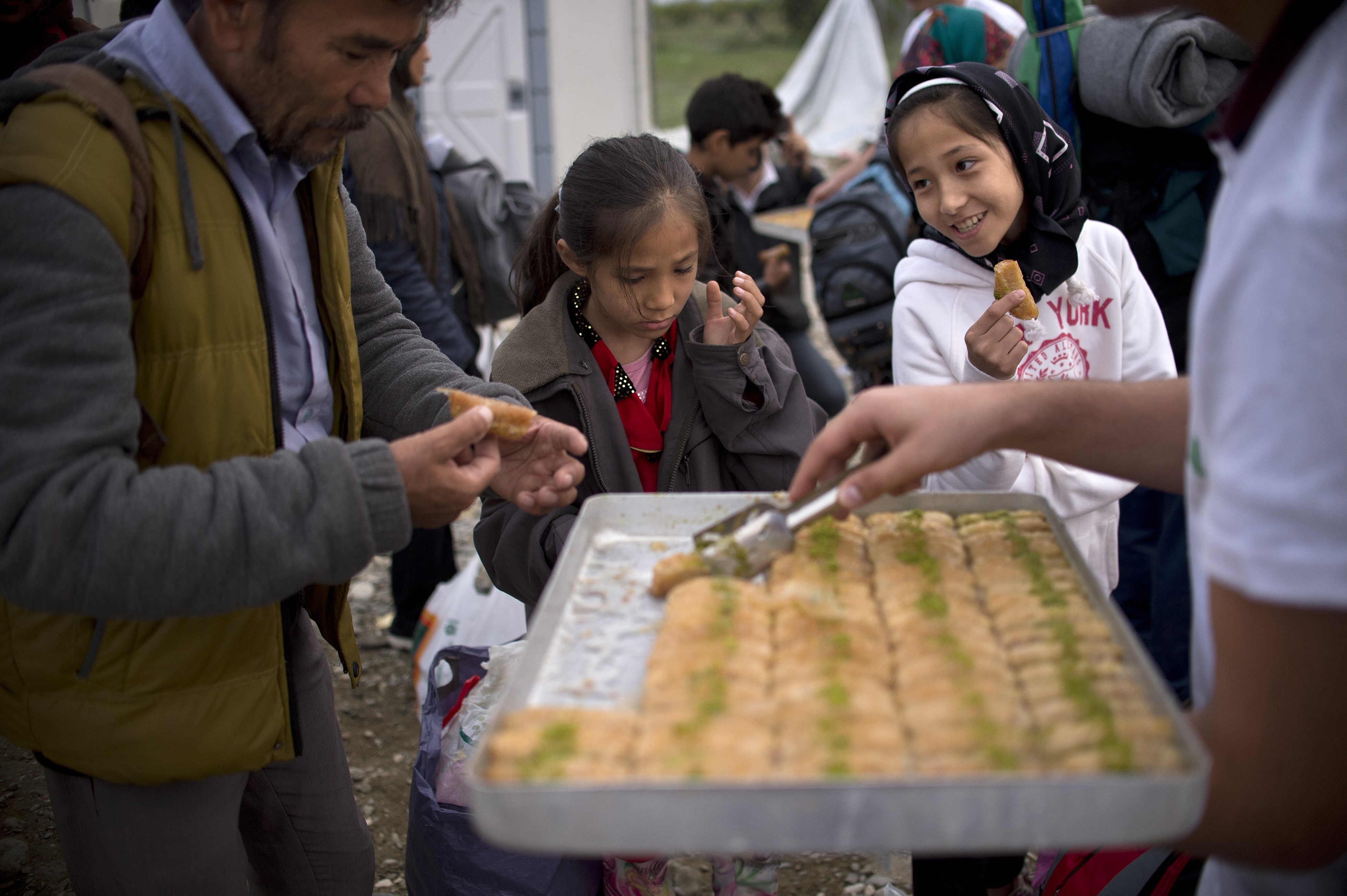how volunteers are feeding refugees in greece one makeshift