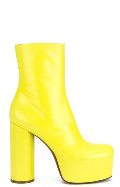 c3945f6612ab The latest  70s-via- 90s trend to resurge is the exaggerated platform boot.  Vetements