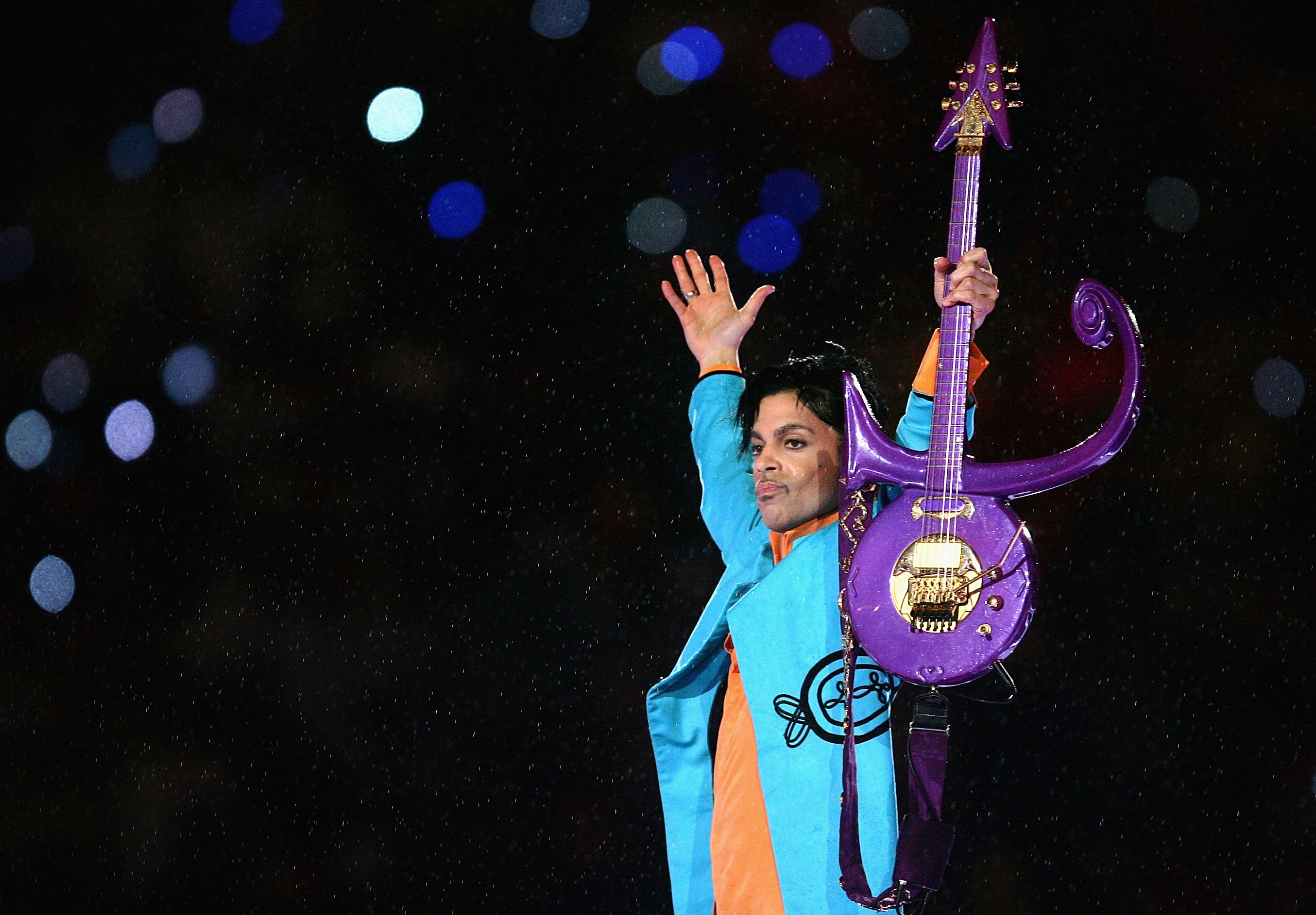 Why did prince change his name to a symbol vox super bowl xli pepsi halftime show biocorpaavc