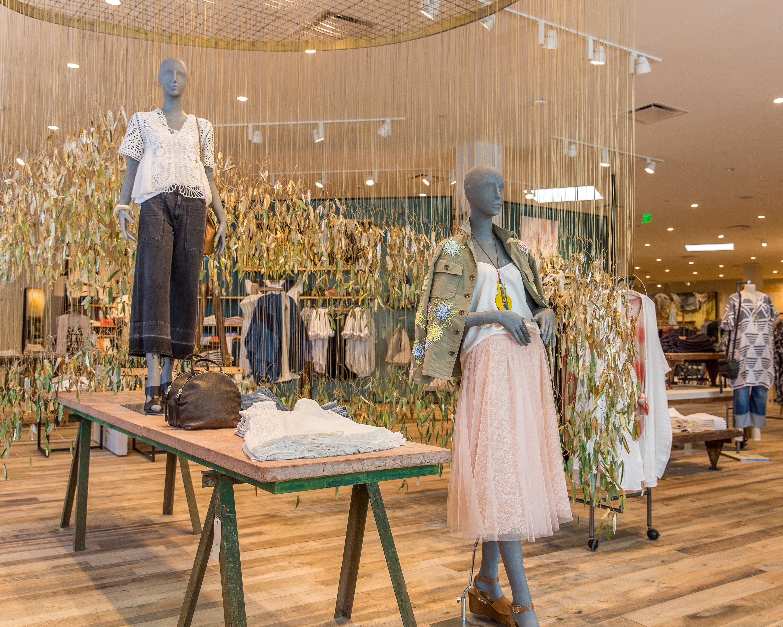 Anthropologieu0027s Upgraded Newport Beach Store Offers Major Home Decor Inspo
