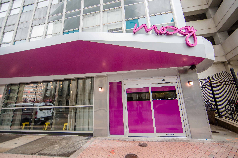 A Look Inside The Moxy Hotel Now Open In Cbd