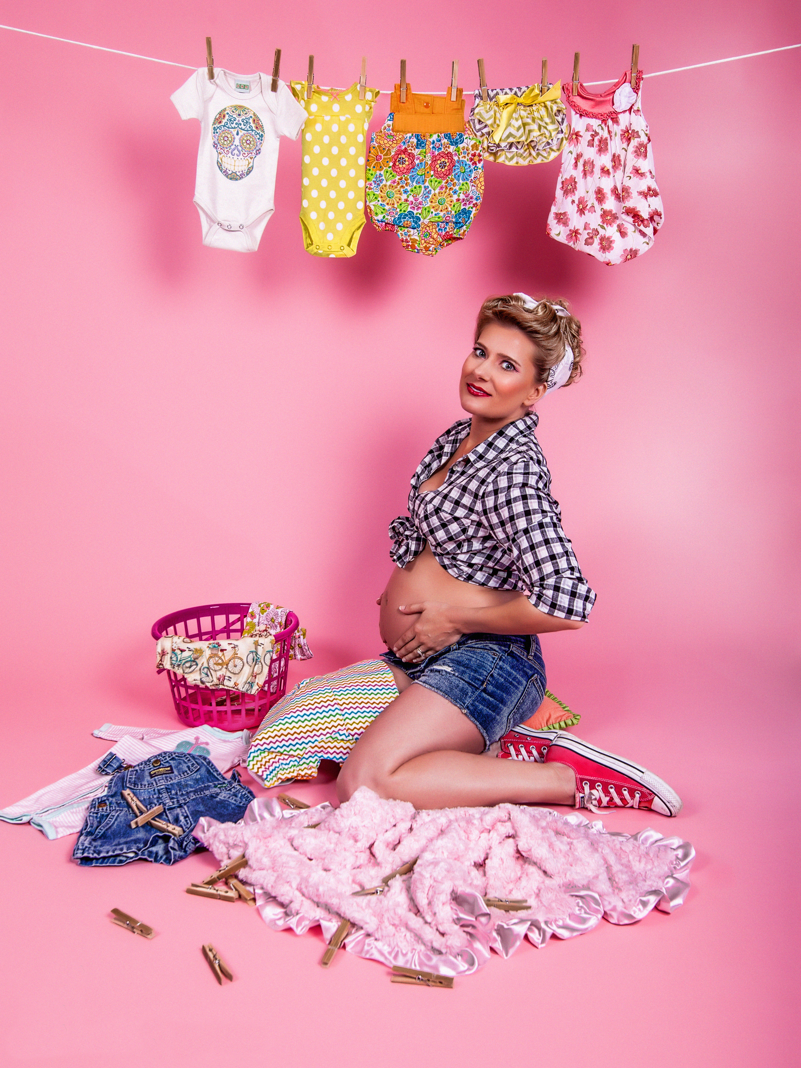 Pregnant pin ups are challenging beauty norms racked mindy hylton in character and costume with dixie pin up photo ben cook ombrellifo Gallery