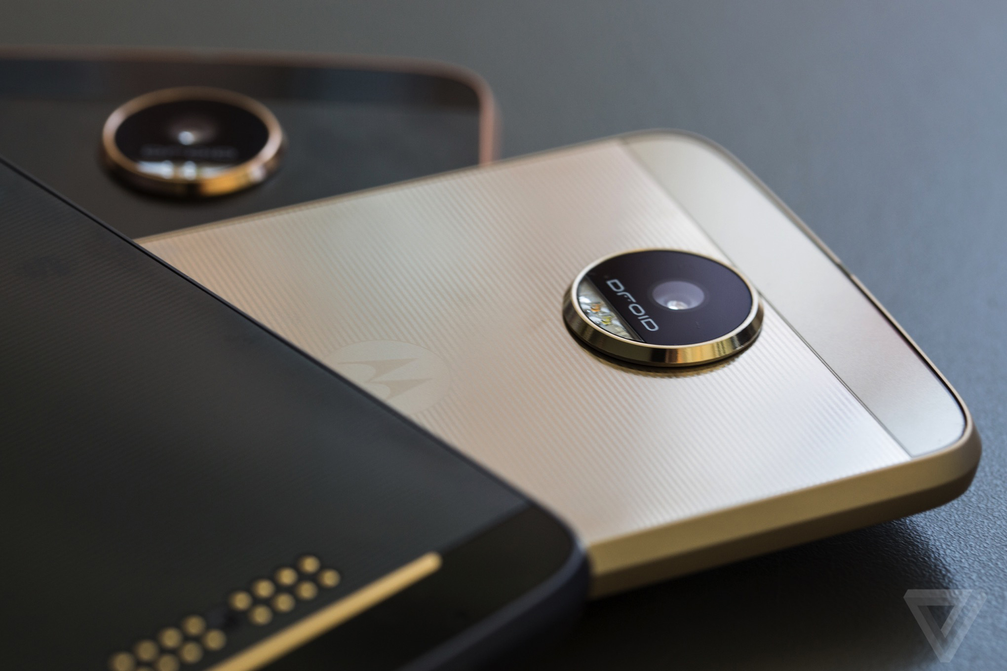 the moto z is a good phone headed down the wrong path the verge. Black Bedroom Furniture Sets. Home Design Ideas