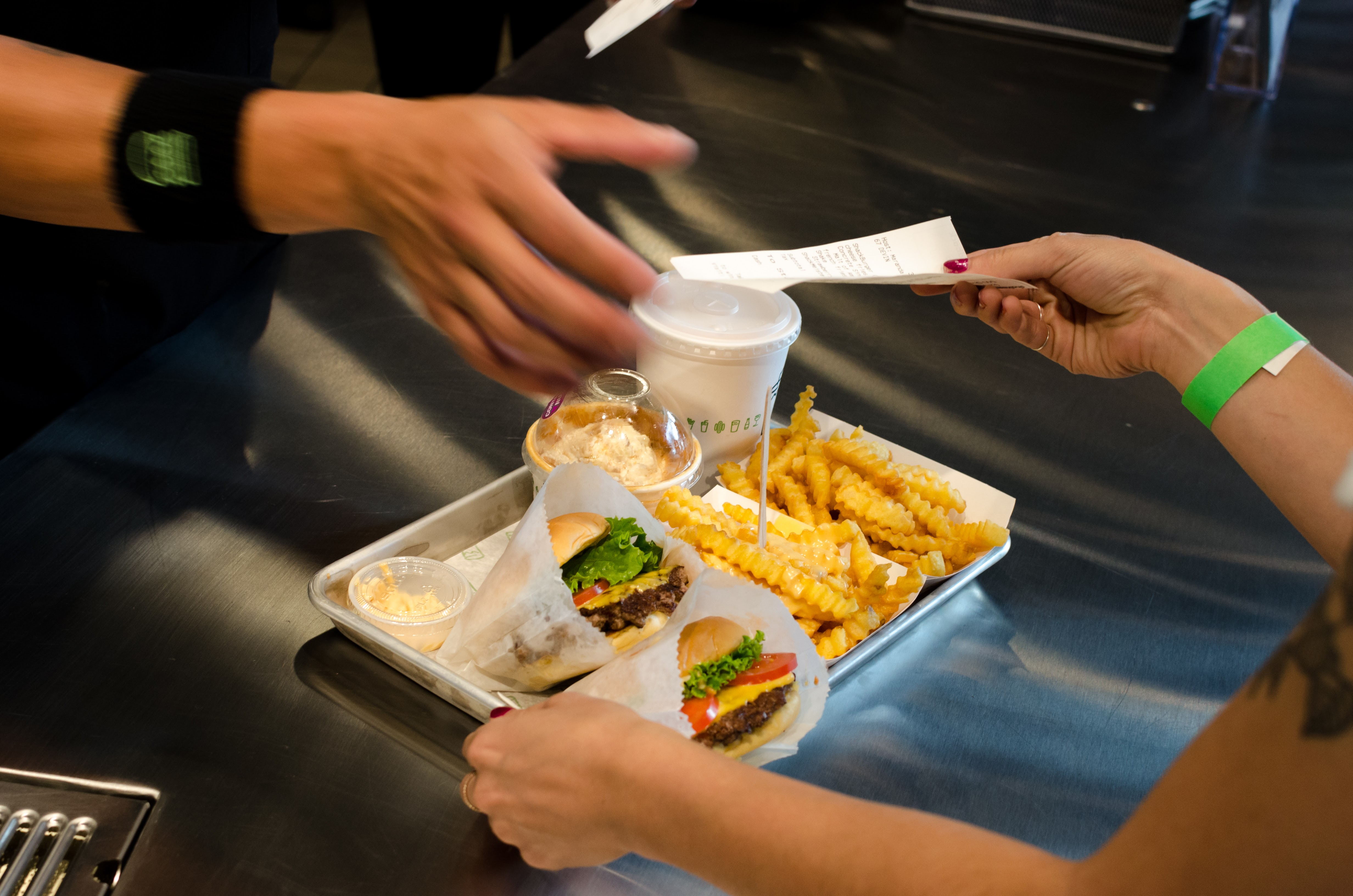 Shake Shack Mall Of America Is Open Right Now Eater Twin Cities