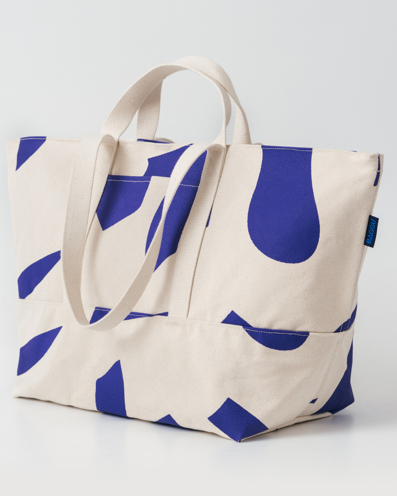 Giant Beach Bags That Can Fit All Your Stuff For The