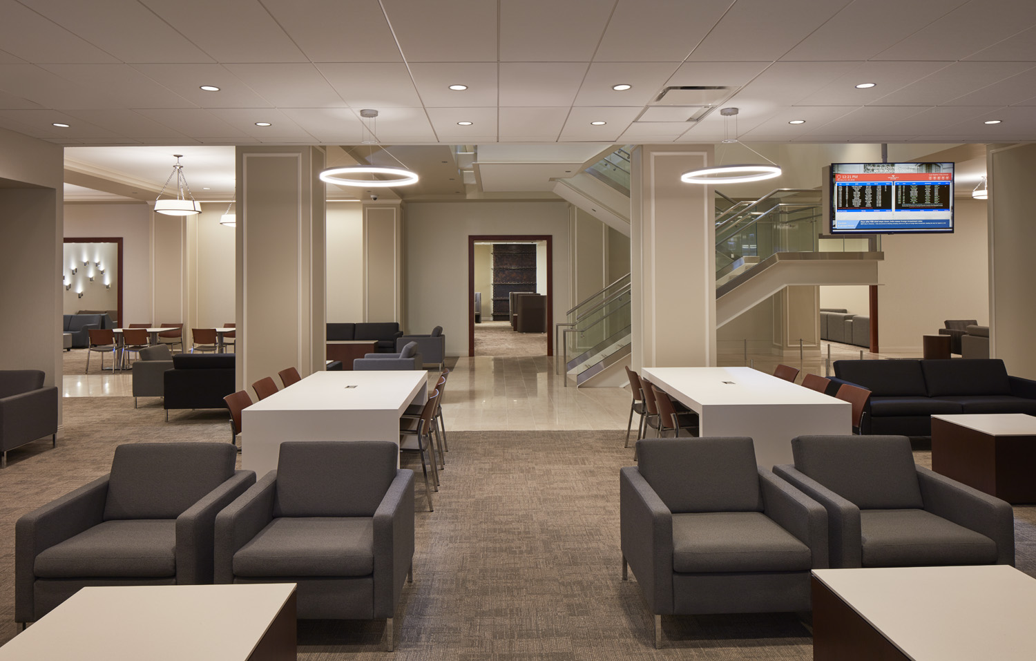 A Look At Amtraks New Metropolitan Lounge At Union Station - Chicago map union station