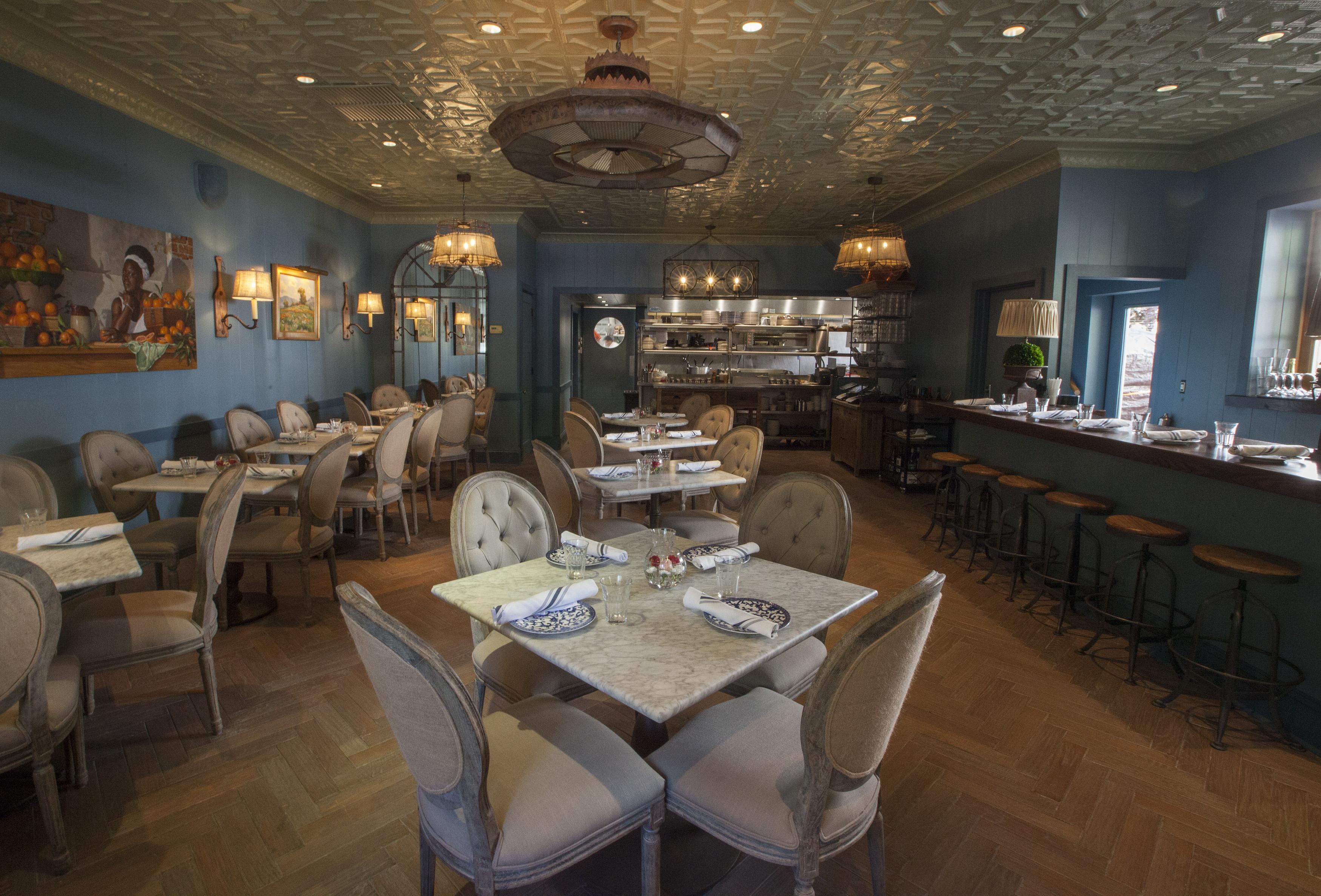 Tour Art Smith s Blue Door Kitchen His Revamped Gold Coast
