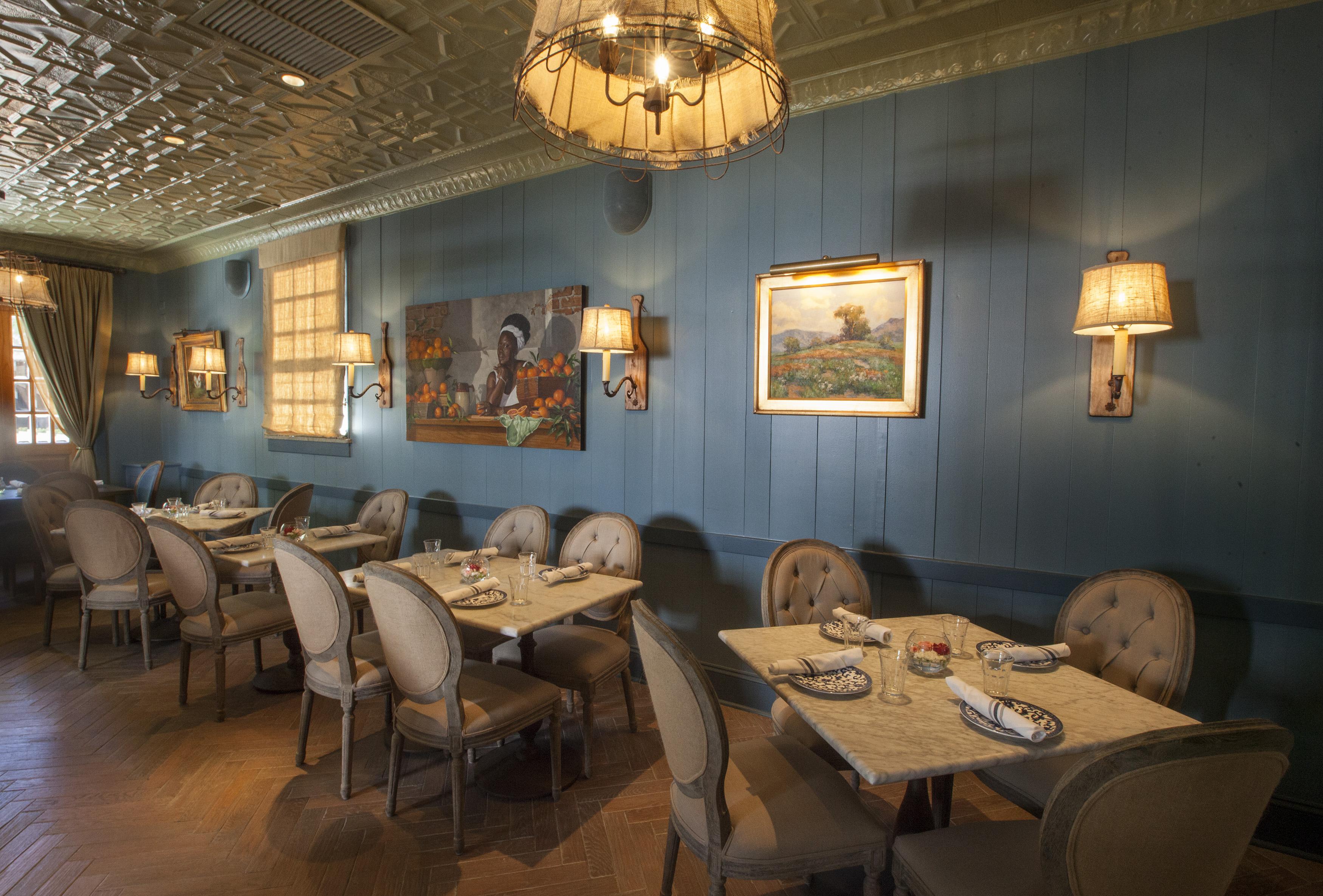 Tour Art Smith S Blue Door Kitchen His Revamped Gold