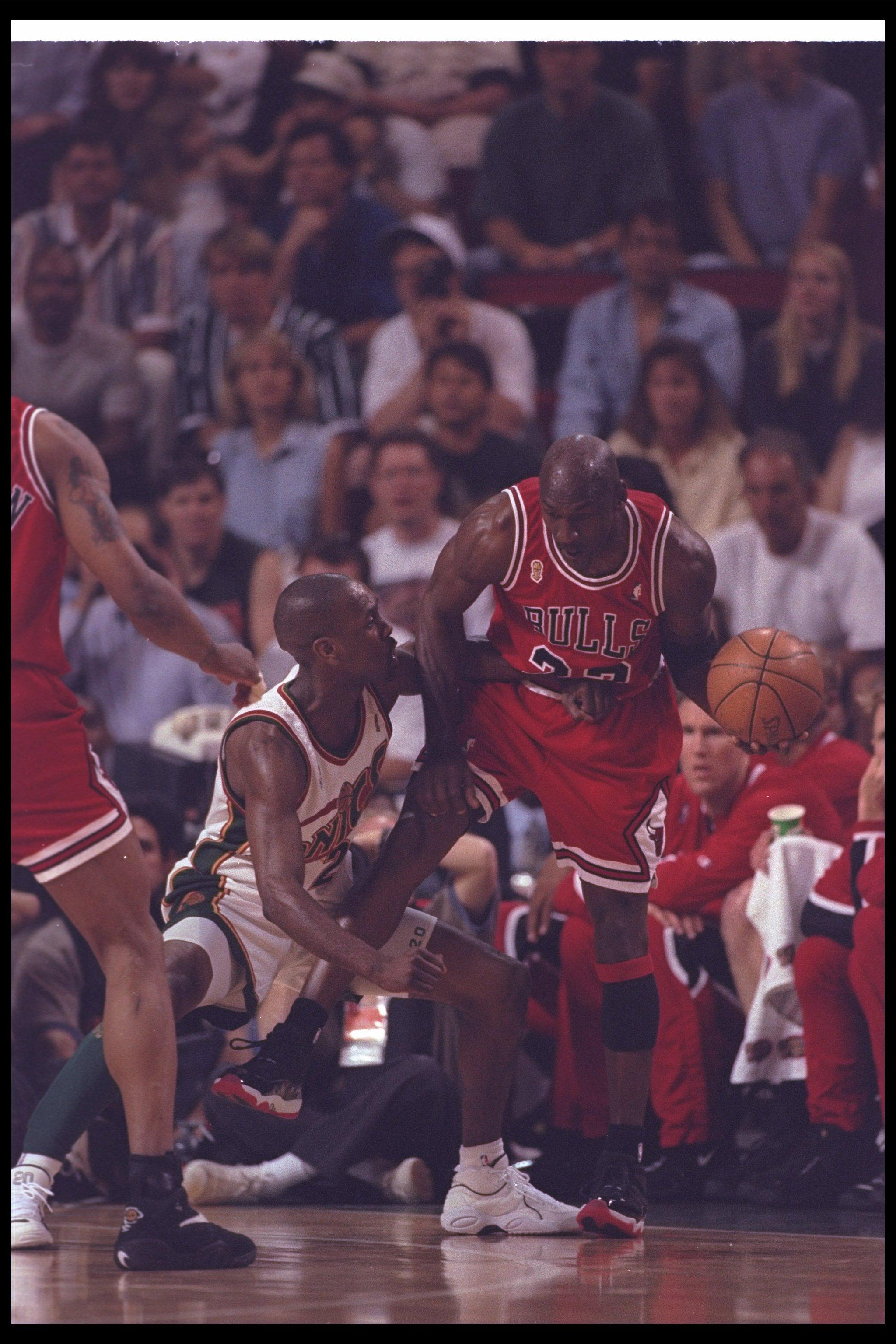 This guy dressed exactly like '90s-era Michael Jordan for ...