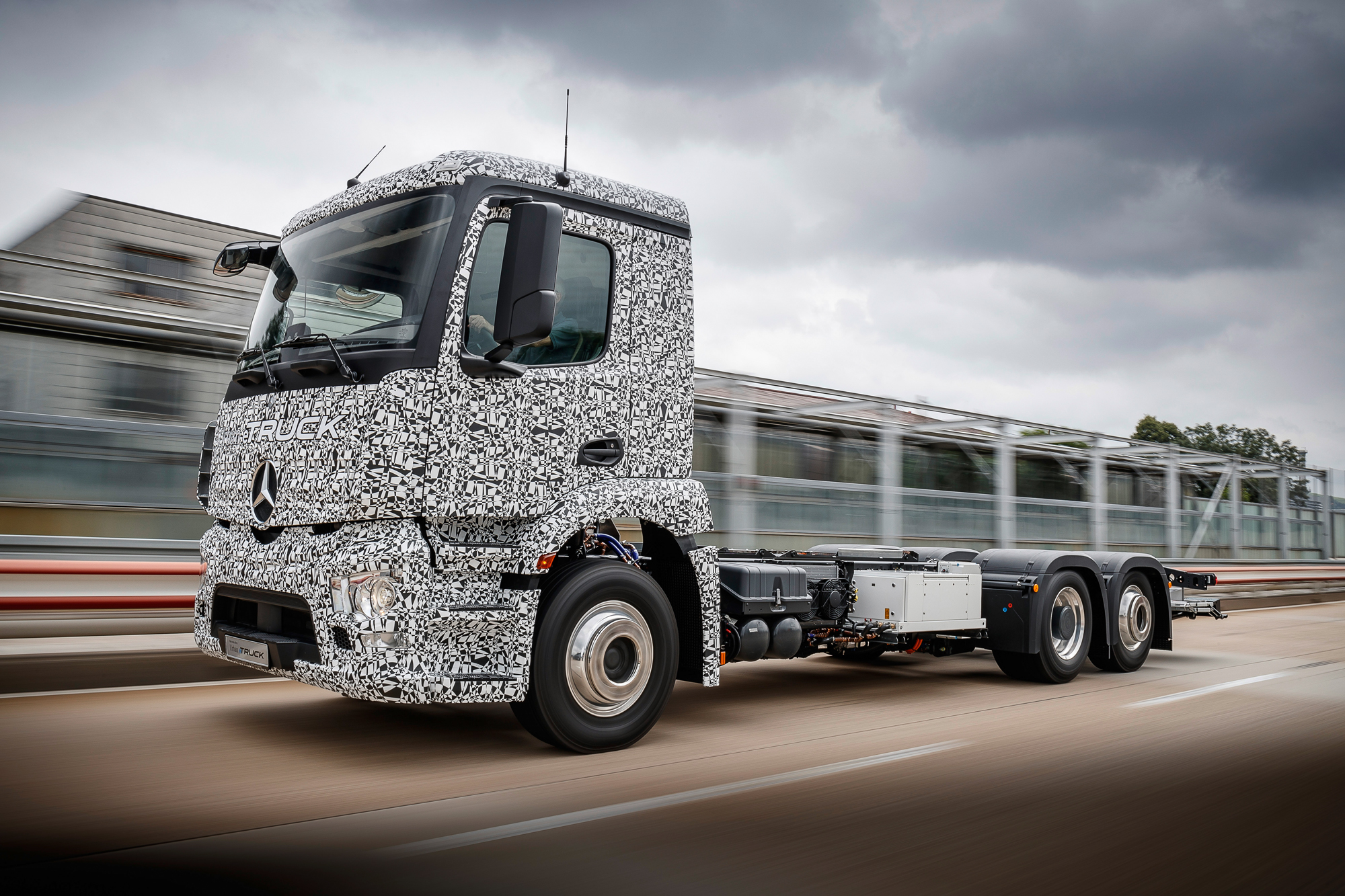 The prototype of the Urban eTruck electric truck from Mercedes-Benz 48